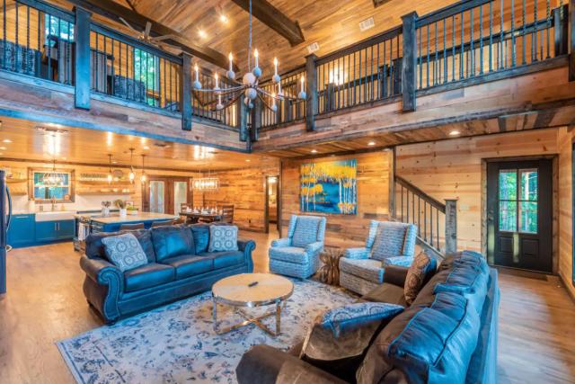 great room in luxury cabin