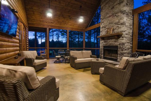 Interior or luxury lakeside cabin in Broken Bow