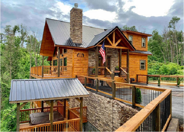Luxury shadow woods cabin exterior with 3 bedrooms