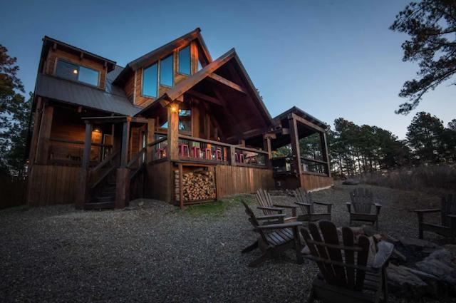 Stairway to Heaven Luxury Cabin exterior