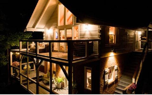 Mason Jar Lodge exterior at night