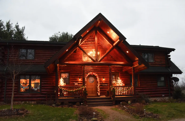Honey Pine Lodge Cabin