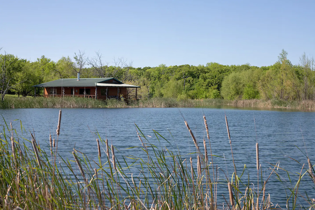 lake cabin perfect for glamping