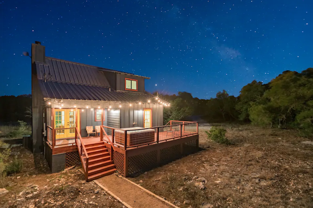 Cabin on 10 acres exterior