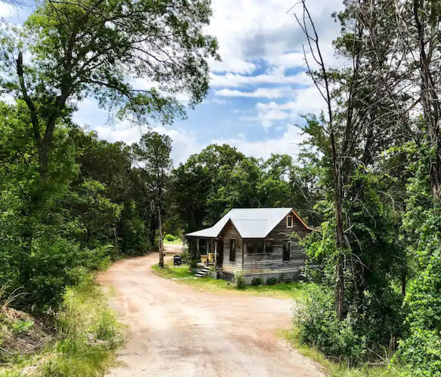 cabin in Granbury