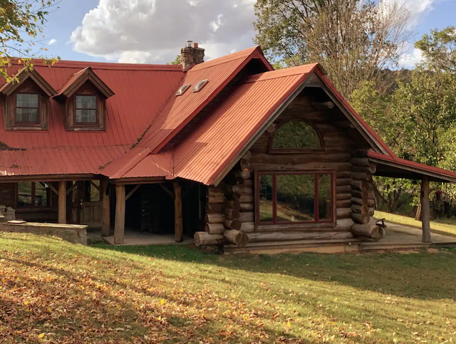 Exterior of large pet friendly cabin