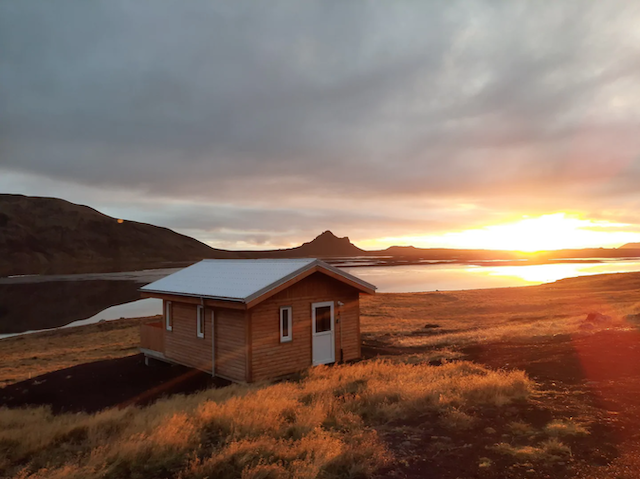 Cozy Glamping Cottage on a Horse Farm in Iceland