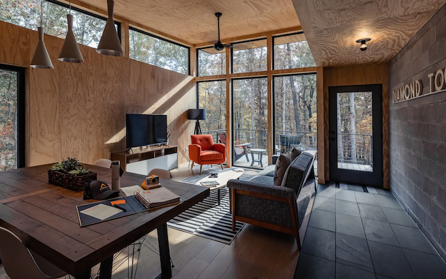 Modern Nashville Home in the Woods  great room