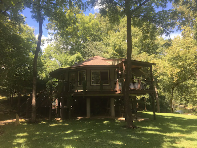 """The """"Otter Cabin"""" on Spring Creek"""